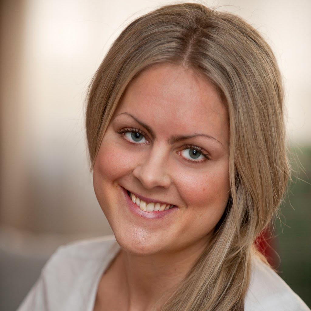 Caroline Lundgren Atmajyoti Yoga