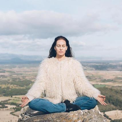 Linda Ergeus Atmajyoti Yoga